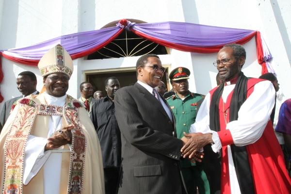 L to R - Archbishop Dr Mokiwa, President Kikwete, Bishop Mwita Akiri after the service