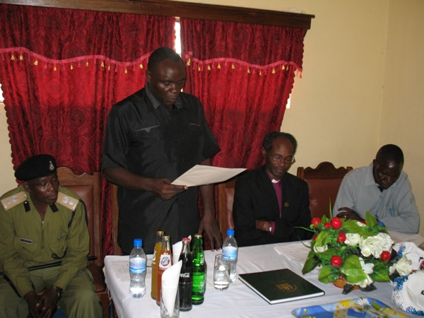 The Police Commander for Tarime-Rorya, ACP Kamugisha giving a vote of thanks